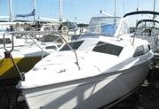 Продаётся парусная яхта,  диз. двигатель 2001 года